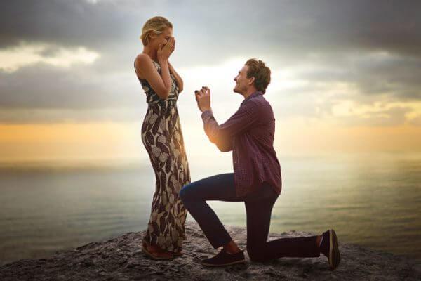 「結婚しようよ!」女の子が喜ぶプロポーズの言葉とは?