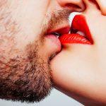 はじめてのキスは練習が必要!?キスするときの心得とは・・・?