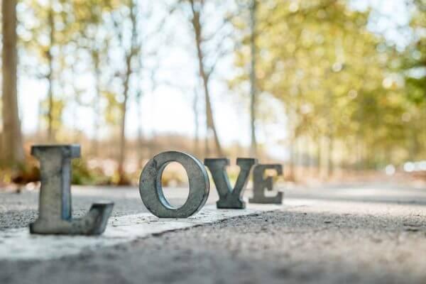 好きとは?恋とは?愛とは?「恋愛迷子」女子に伝えたい真実
