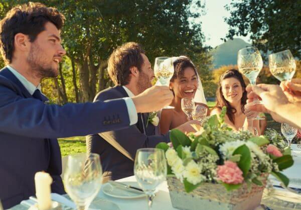 結婚相手に求める貯金額ってどのくらい? 結婚するにはいくら必要?