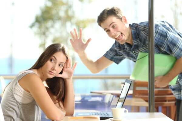 押しに弱い女の子は幸せになれる? 相性のいい男性の性格とは?