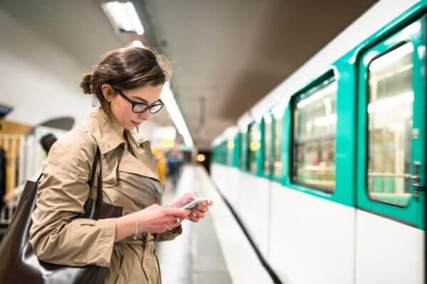 電車で男性に一目惚れ♡ 成功させるためのアプローチ法