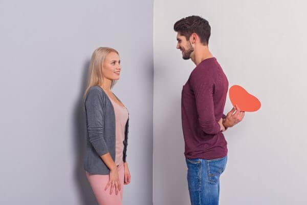 好きな人がわかる心理テストで、気になる人の好きな人をさり気なくチェックする方法