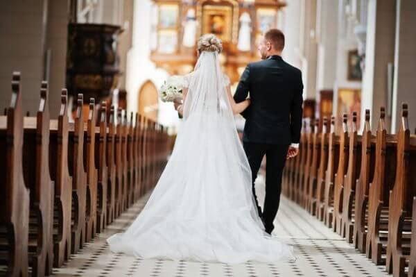 結婚相手に選ばれる条件は何? 早めの婚活が吉!