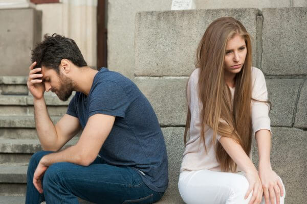 女性の浮気って男性にバレるの? ちょっと怖い、浮気のお話……!