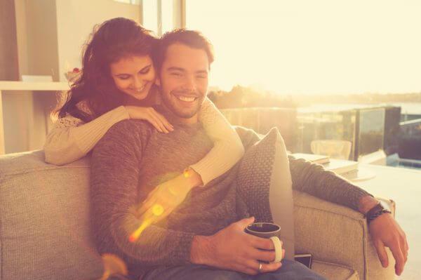 恋愛体質の女性の特徴って? 改善方法はあるの?