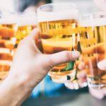 出会いがある居酒屋とは? 婚活居酒屋や合コンを提供してくれるお店など、サービスをご紹介!