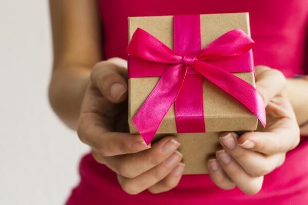 社会人の彼氏にクリスマスは何を贈る?5つのおすすめプレゼントをご紹介!