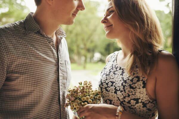 婚活パーティーでの出会いを大切に! 恋愛を成就させるコツ
