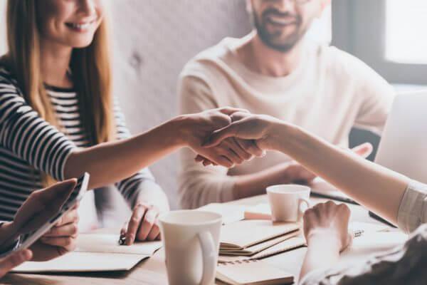 街コンで会話を盛り上げるための話題作りに必要なポイントは?