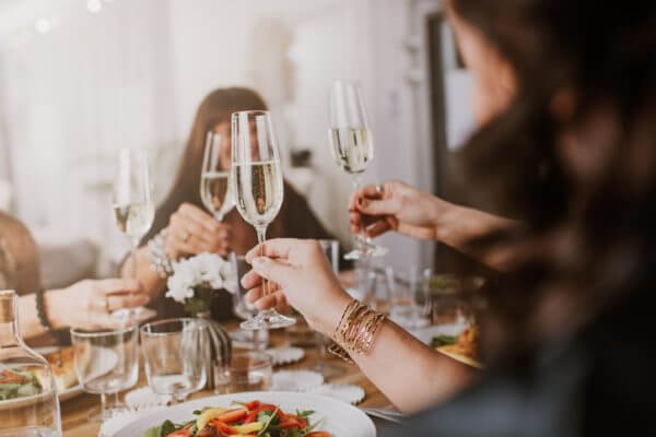 婚活パーティーの出会いで結婚、ほんとにできる? 運命の人と出会える確率は?