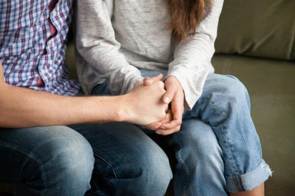 好きな子だけにみせる男性のしぐさとは? 男性心理を解説