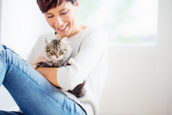 <タウン>猫カフェに適した服装を選んで、楽しく過ごそう!