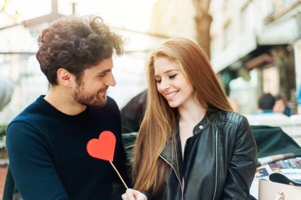 愛情表現は男女で違う! 幸せになるための愛情表現とは?