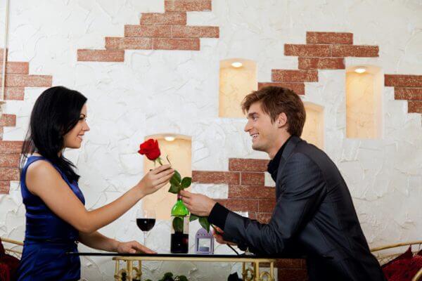 <男性向け>一目惚れは本能! いろいろな一目惚れエピソードをご紹介