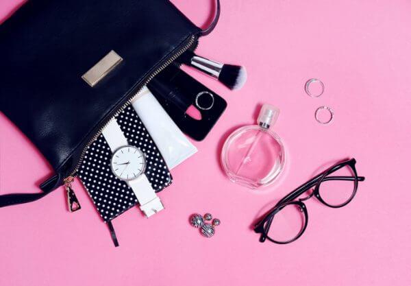 婚活お茶会♡ 女性のためのオススメ服装と持ち物リスト