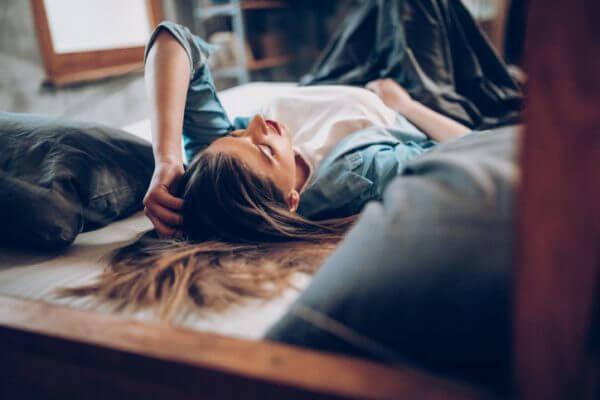 寂しい独身生活……。寂しい時はどうしたらいい?
