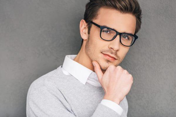 <男性向け>メガネ男性は女性にモテる! 恋がうまくいくメガネの選び方