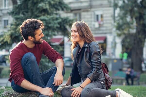 バツイチ男性との恋愛、関係を深めて大丈夫? メリットとデメリットを検証
