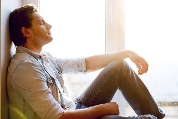 <男性向け>素直になれない人の心理とは? 素直な人になってモテる方法