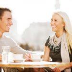 <男性向け>女性が目を見て話す時の心理とは。街コンなどの出会いの場で脈ありの見極め方