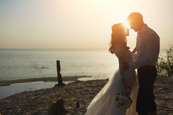 と 知ら ない する 人 夢 結婚