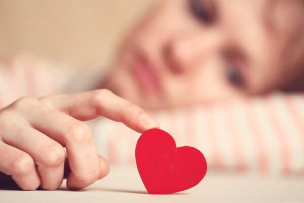 恋愛で本気で好きになれない心理とその対処法
