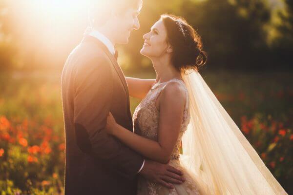 結婚に繋がるきっかけとなった出会いは? どこで出会える?