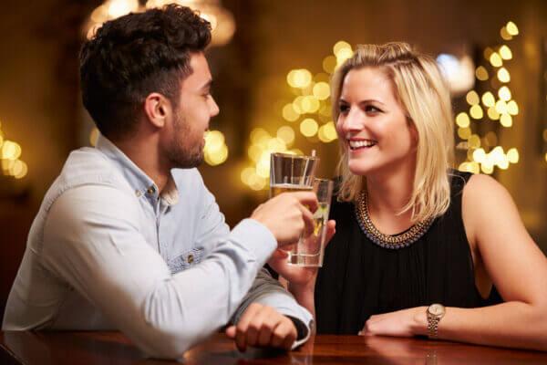 一人飲みを楽しもう!一人飲みで出会いを求める人にオススメのお店