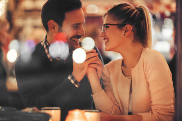 男性が本当に好きな相手にだけする愛情表現を紹介! 愛情表現を見分けよう