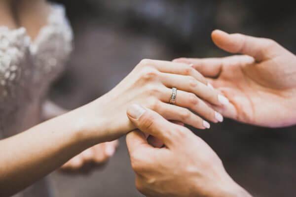 独身女性の特徴、結婚のために取り組むこととは