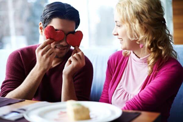 すぐ人を好きになる人の特徴とは? 直す方法はある?