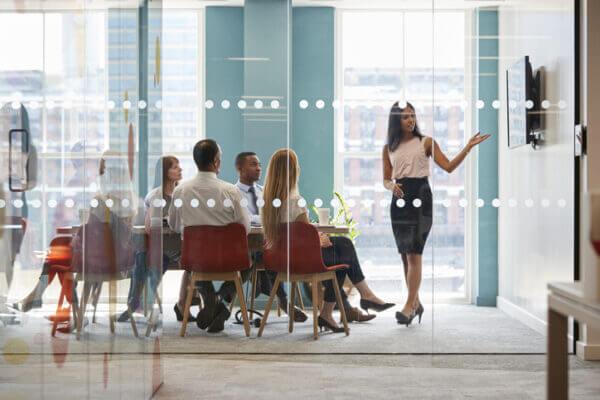 女性が狙える高収入の職業10選! 高収入な職業に就くメリット・デメリット