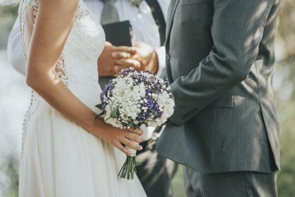 婚活男性の平均年収は? 高収入の男性との結婚のメリットデメリット5つ