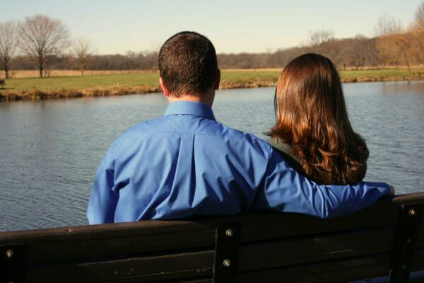 初婚年齢や結婚式の形式などに見られる今と昔の結婚観の違いは?