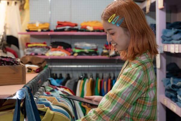 60~70年代ファッションが再熱? 今と昔で着こなし方は違うの?