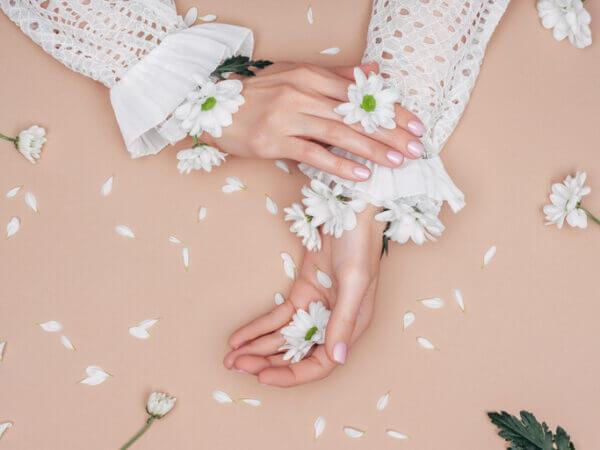 しっとり美しい指先に♡ 秋冬のとっておきネイルケア方法と2020年おすすめネイルオイル紹介